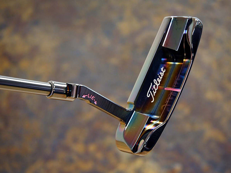 The putter that started it all. Scotty made a Newport Mil-Spec at 33 with pink paint, then color-coordinated it with a Pink Poodle headcover.