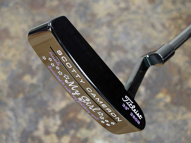 The sound slot in the sole gives it the beach name. Scotty completed the ensemble by giving its shaft the same iridescent Black Pearl finish as the head.